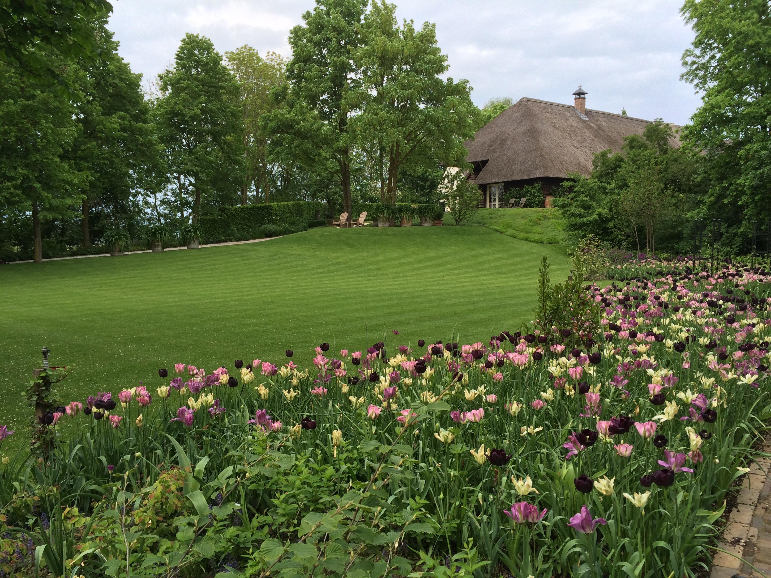 Tuin bij boerderij villa in Aqcouy